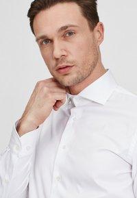 PROFUOMO - Formal shirt - white - 3