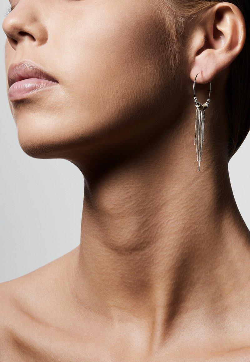 Pilgrim - SINCERITY  - Earrings - silver-coloured