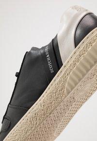 Scotch & Soda - BRILLIANT - Sneakersy niskie - black - 5
