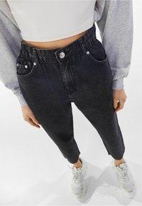 Bershka - Jeans straight leg - dark grey - 3