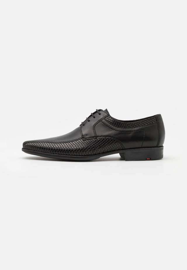LAMBERT - Veterschoenen - black