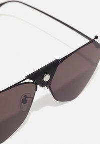 Alexander McQueen - UNISEX - Sunglasses - black/grey - 3