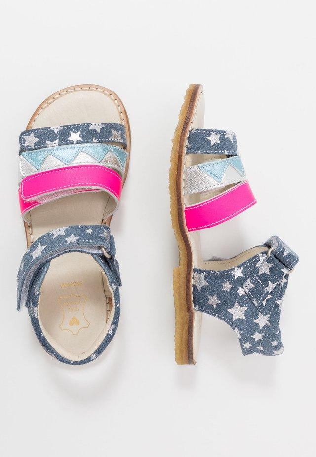 Sandaalit nilkkaremmillä - jeans