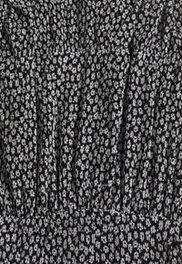 NAF NAF - Denní šaty - noir/ecru - 2