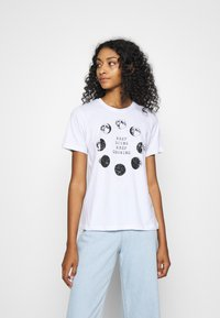 Even&Odd - T-shirt con stampa - white - 0