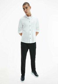Calvin Klein - SLIM  - Formal shirt - bright white - 1