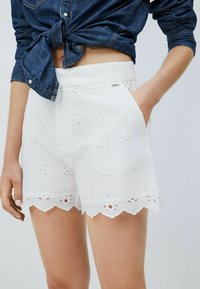 Pepe Jeans - NORA - Shorts - blanco off - 3