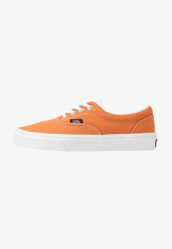 ERA - Sneakersy niskie - apricot buff/true white