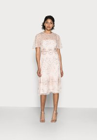 Adrianna Papell - BEADED FLUTTER DRESS - Cocktail dress / Party dress - pale pink - 0