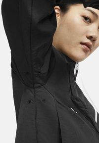 Nike Sportswear - Chaqueta de entrenamiento - black - 5