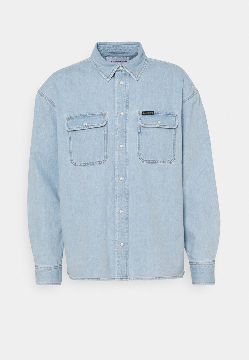 Calvin Klein Jeans - OVERSIZED  - Shirt - light