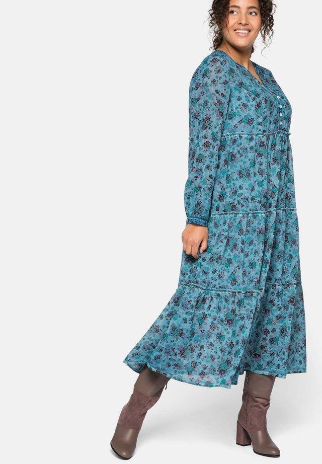 Vapaa-ajan mekko - blassjade