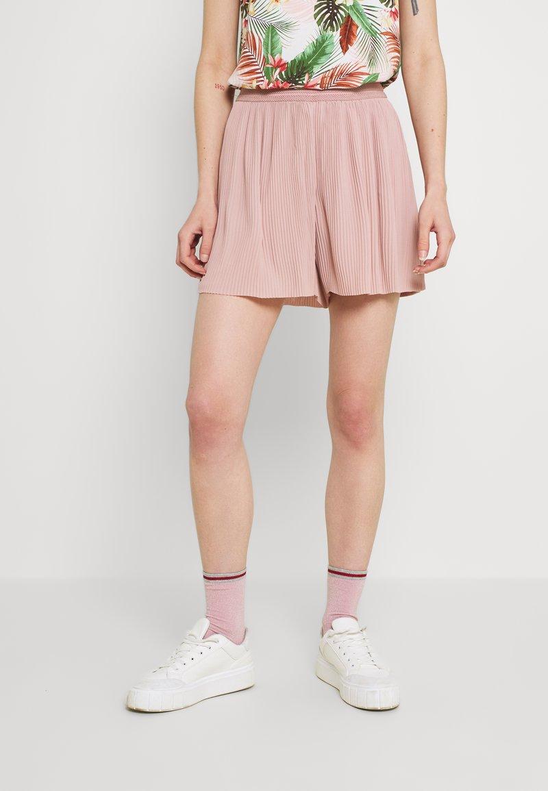 ONLY - ONLMARIN PLISSE - Shorts - adobe rose