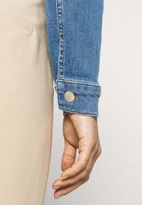 NA-KD - PAMELA REIF X NA-KD JACKET - Denim jacket - light blue - 5