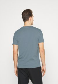 Armani Exchange - T-shirt med print - stormy weather - 2