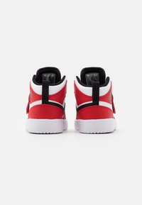 Jordan - SKY 1 UNISEX - Basketbalové boty - white/black/university red - 2