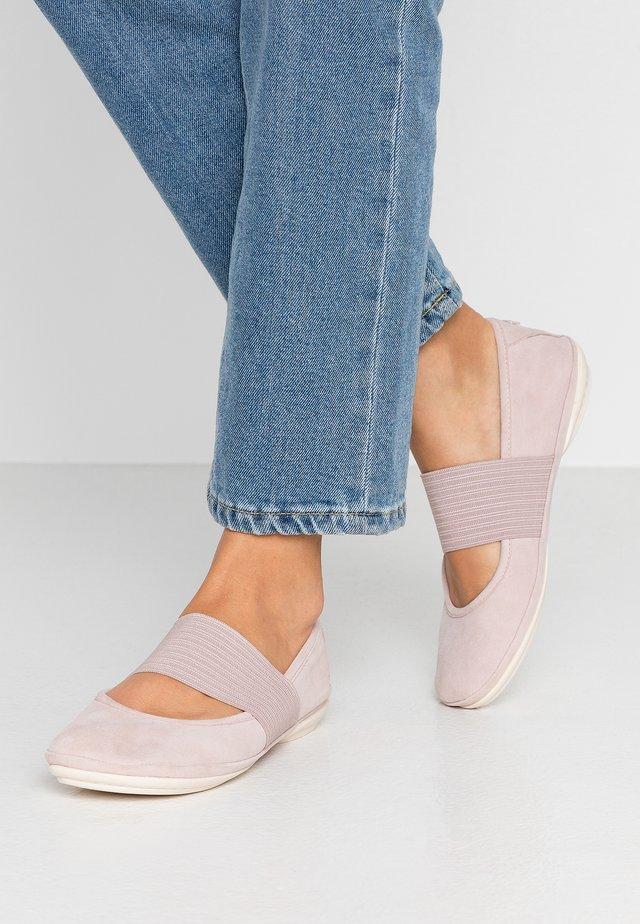 RIGHT NINA - Ballerinat nilkkaremmillä - pastel pink