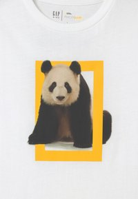 GAP - BOY NATIONAL GEOGRAPHIC TIGER - Print T-shirt - optic white - 2