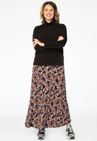 Yoek - Maxi skirt - black - 1