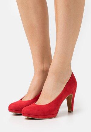 COURT SHOE - Høye hæler - red