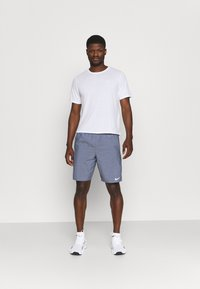 Nike Performance - CHALLENGER SHORT - Sports shorts - obsidian heather/silver - 1