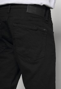 G-Star - 3301 SLIM SHORT - Denim shorts - elto nero black - 5