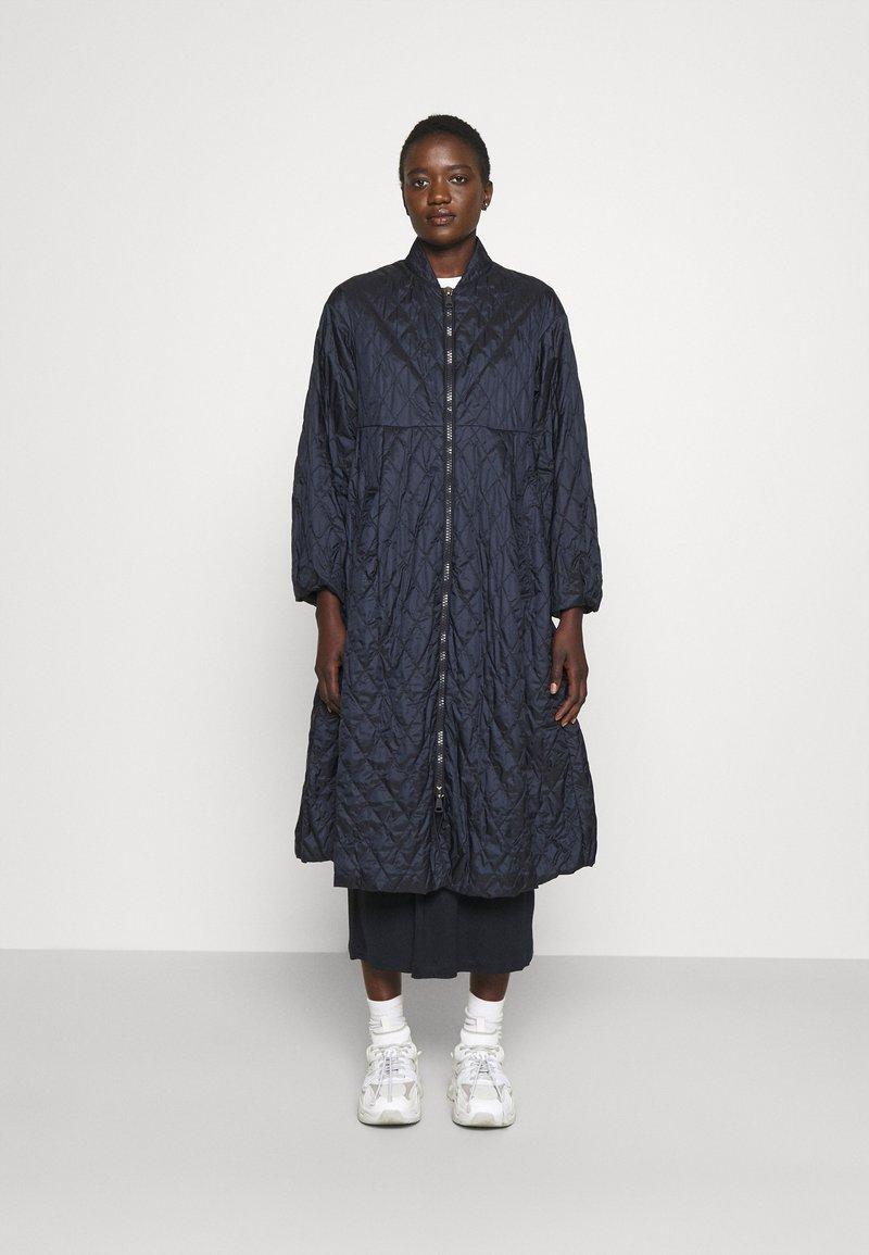 WEEKEND MaxMara - KAFIR - Klasický kabát - blue