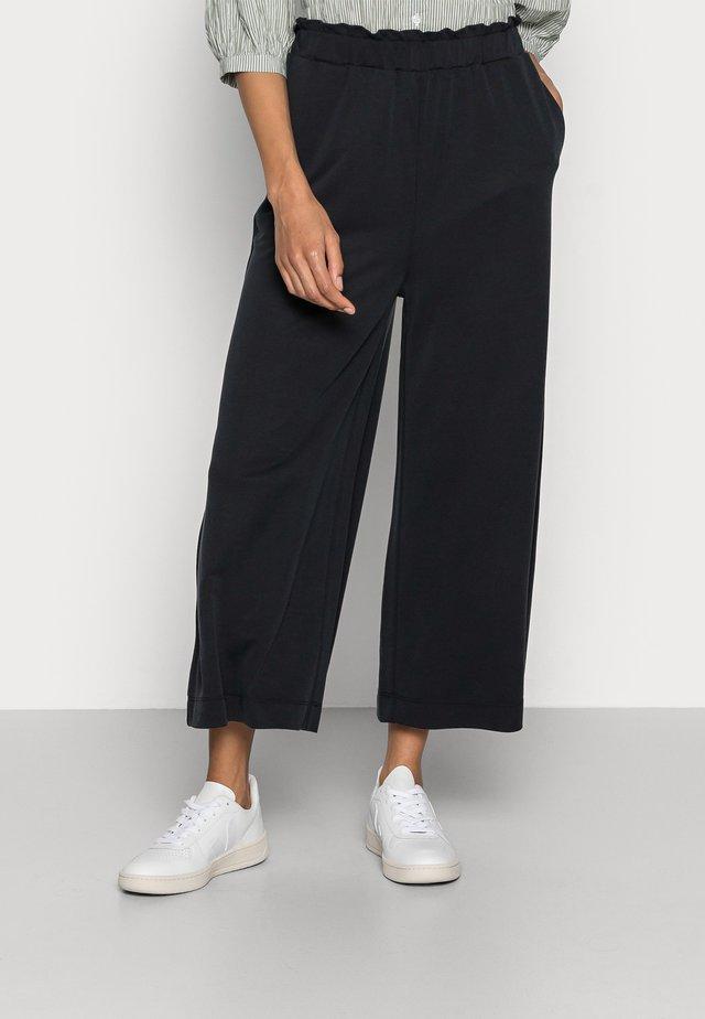 CULOTTE - Kalhoty - black