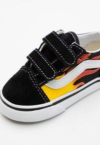 Vans - OLD SKOOL - Sneakers basse - black/true white - 5