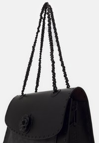 Coach - SIGNATURE BORDER RIVETS PARKER SHOULDER BAG - Sac à main - charcoal black - 3