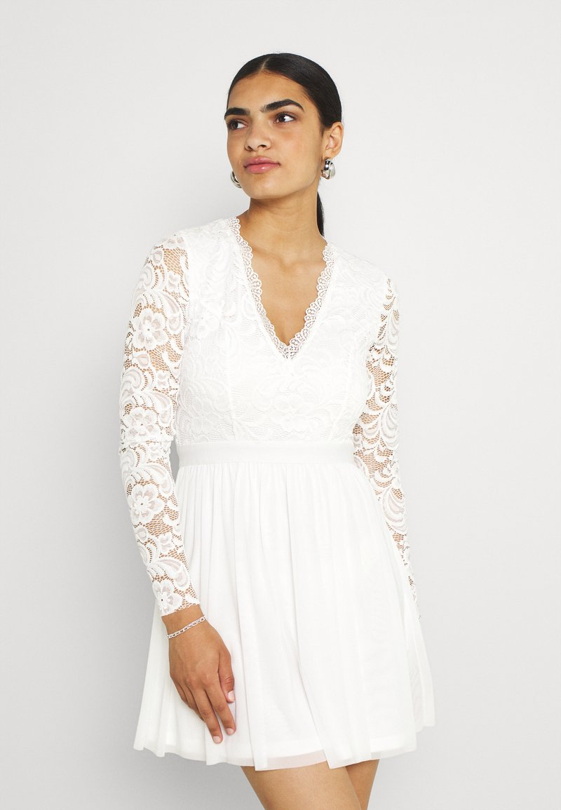 Nly by Nelly - SCALLOPED DRESS - Cocktail dress / Party dress - white