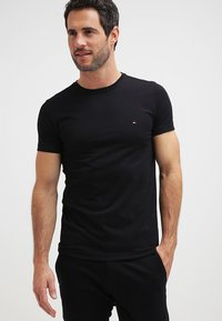 Tommy Hilfiger - NEW STRETCH TEE C-NECK - Basic T-shirt - flag black - 0