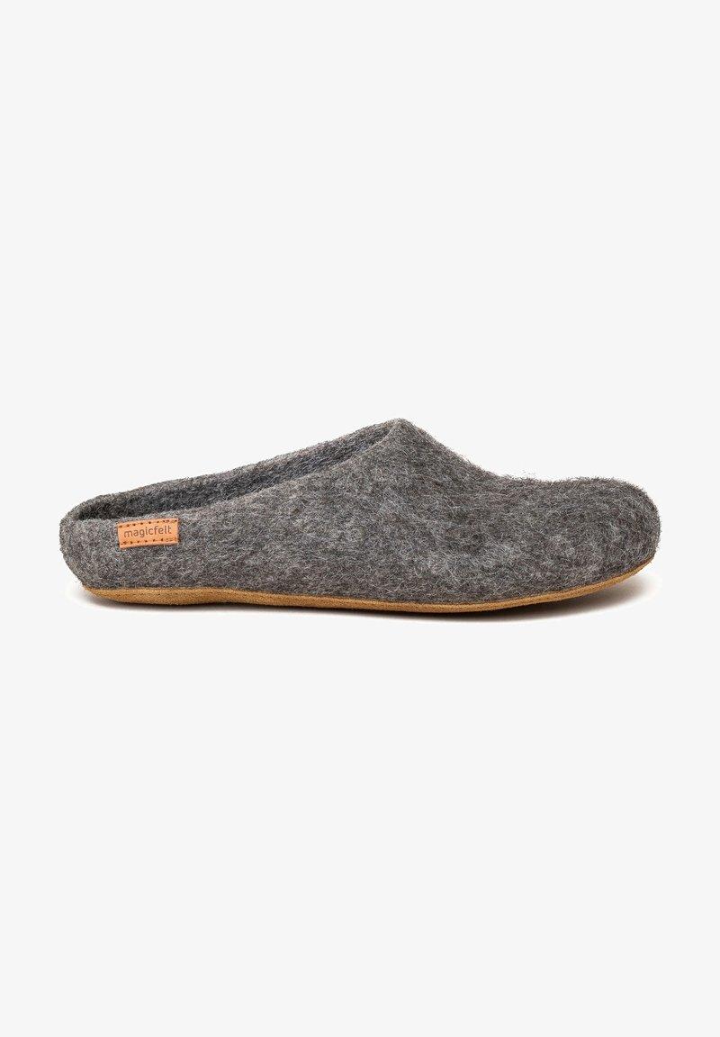Magicfelt - Slippers - grau