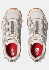 The North Face - W ARCHIVE TRAIL FIRE ROAD - Løbesko trail - pink tint/mineral grey - 4