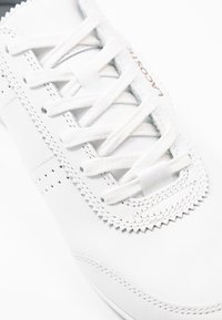 Lacoste - ORENO - Matalavartiset tennarit - white/nature - 2
