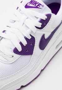 Nike Sportswear - AIR MAX 90 - Trainers - white/voltage purple/black - 5