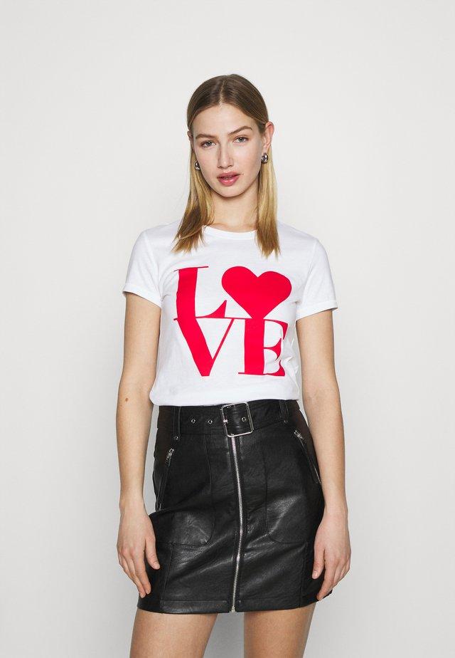 ONLLOVE LIFE FIT BOX - Camiseta estampada - bright white