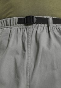 Carhartt WIP - CLOVER LANE - Shorts - shiver stone washed - 3