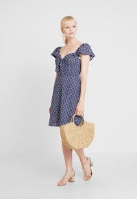 Dorothy Perkins - TIE FRONT DRESS - Day dress - multi - 2