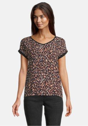 MIT V-AUSSCHNITT - Print T-shirt - schwarz/braun