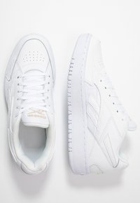 Reebok Classic - COURT DOUBLE MIX - Sneakersy niskie - white/panton - 3