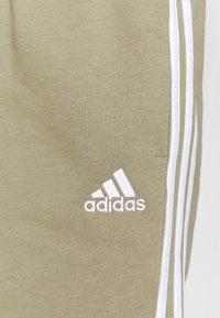 adidas Performance - Urheilushortsit - orbit green/white - 4