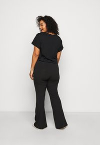 New Look Curves - FLARE LEGGING - Trousers - black - 2