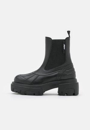 STIVALE DONNA BOOT - Platform-nilkkurit - black