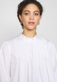 Selected Femme Petite - SLFNOVA - Bluzka - bright white - 3