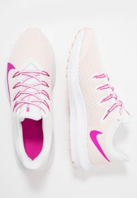 Nike Performance - QUEST 2 - Neutral running shoes - summit white/fire pink/washed coral - 1