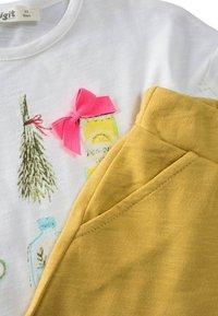Cigit - SET - Shorts - mustard yellow - 2