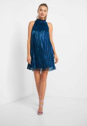 MIT PLISSEEFALTEN - Cocktail dress / Party dress - petrolblau