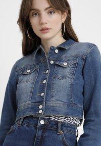 ONLY - ONLNEW WESTA CROPPED JACKET - Denim jacket - medium blue denim - 4