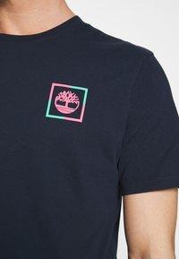 Timberland - KENNEBEC RIVER GRAPHIC TEE - Print T-shirt - dark sapphire - 5